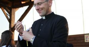 Ks. Artur Mularz pochodzi z Łęk (gmina Borzęcin)